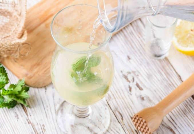 Fantastisch Ouzo Lemonade Cocktail