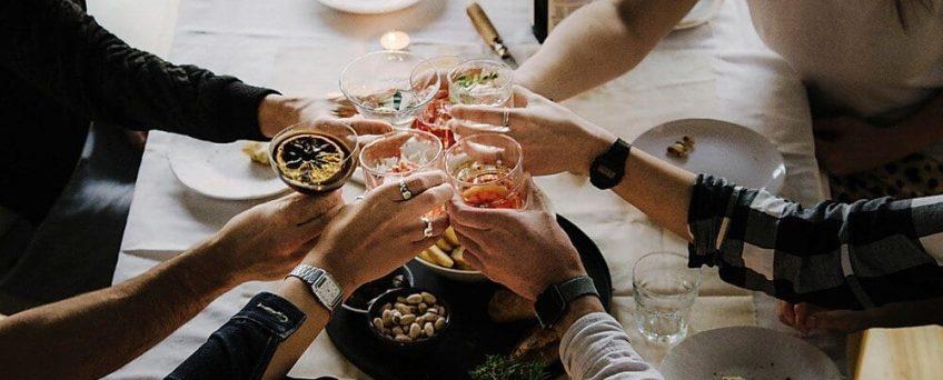 Wie Man Eine Cocktail Party Veranstaltet