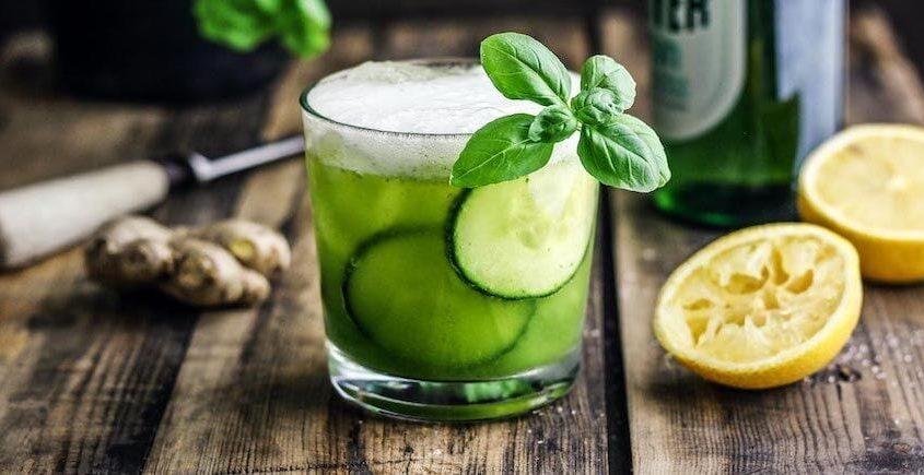Alkoholfreier-Cocktail-Mit-Basilikum-2