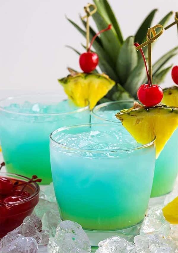 Curaçao Cocktail